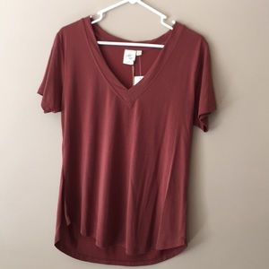 NWT! Women's White Crow V-Neck T-shirt.